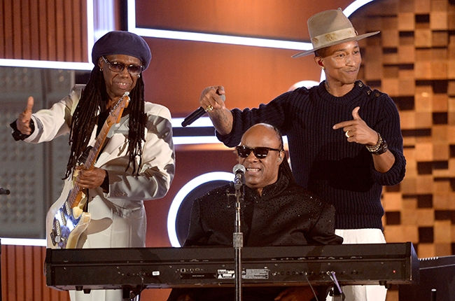 nile-rodgers-pharrell-stevie-wonder-grammy-2014-650a
